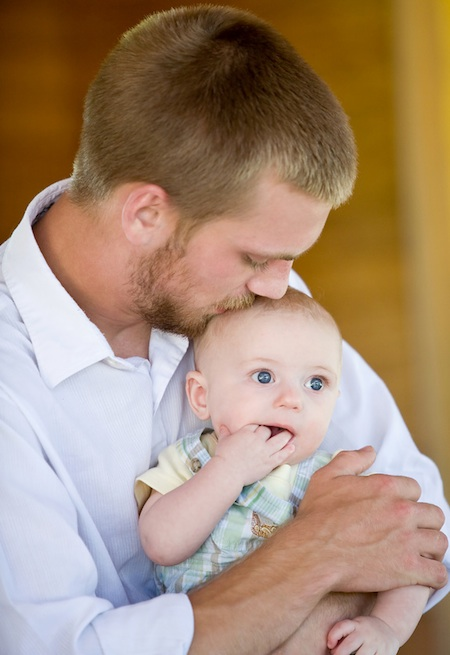 FatherSon Tips to Help New Dads Bond with Their Newborn