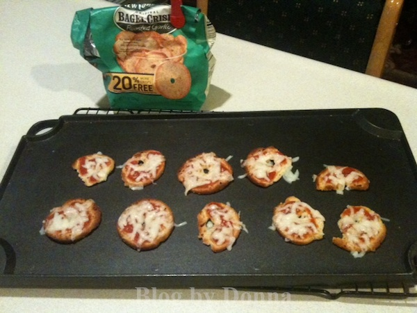 PizzaBagels New York Style Bagel Crisps Review & Sweepstakes