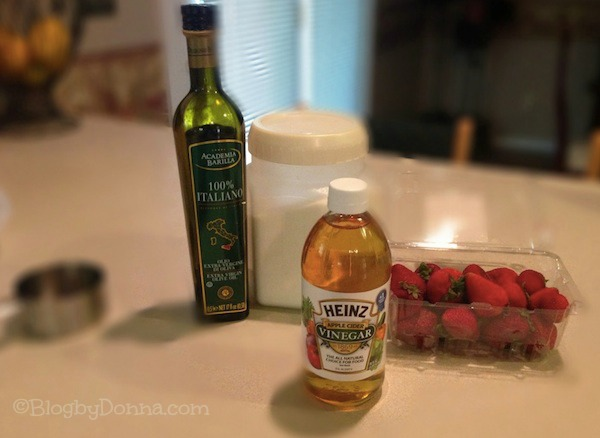 Berry vinaigrette dressing with Heinz vinegar