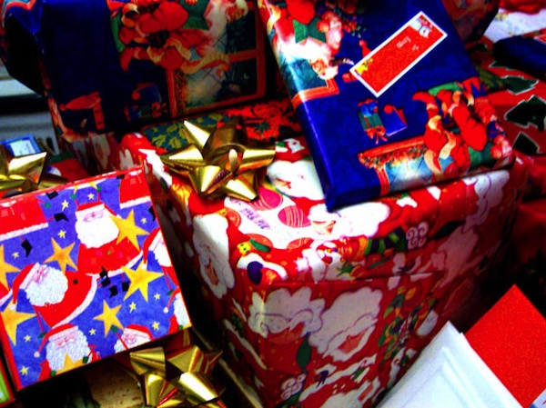 ChristmasShoppingTipsGP 9 25 save money on your Christmas shopping