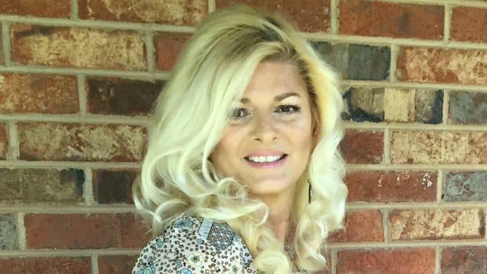Donna Chaffins Headshot Sept 2016 e1572828629996 salon hair