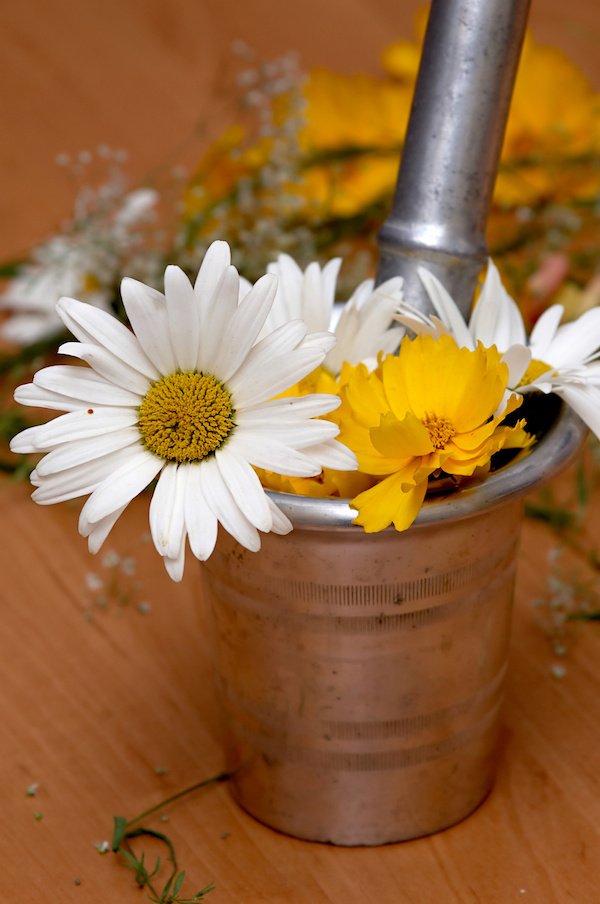 picture positive and negative sides of homemade cosmetics