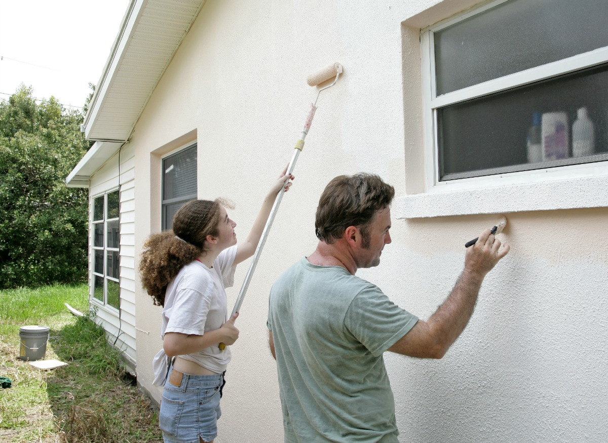 Save money painting the exterior of your house