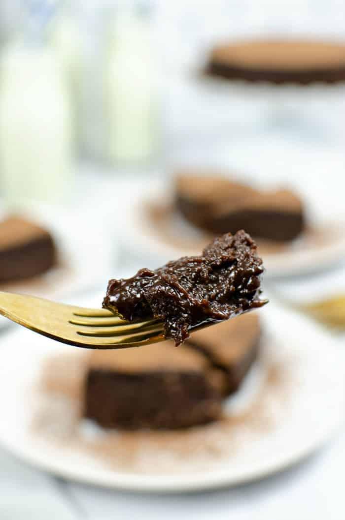 gluten-free flourless cake